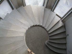Винтовая лестница может стать украшением интерьера