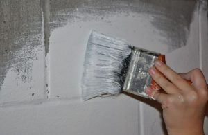 Покраска стен подвала