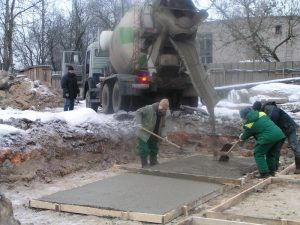 Заливка цемента зимой
