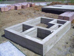 Бетонный фундамент