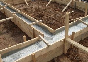 деревянная опалубка с бетоном