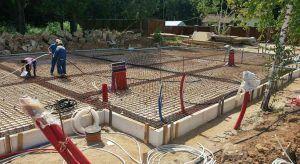 заливка плиты бетоном