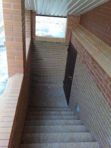 лестница в цоколь