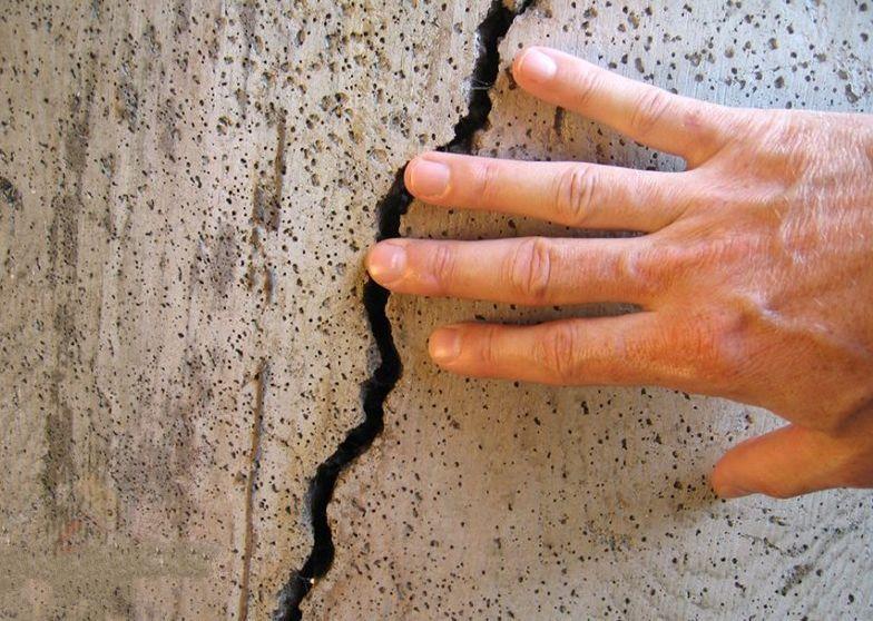 Трещины в фундаменте и укрепление фундамента дома