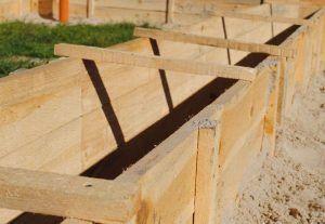 Деревянный щит опалубки