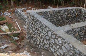 Каменный цоколь